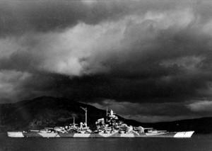 Alta Tirpitz in Fjord