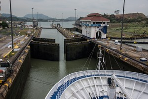 BLOG Panama Canal 21April2015-1000